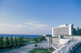 「ウェスティンホテル淡路」でコースランチ。地中海フレンチと日本料理からお選びください。