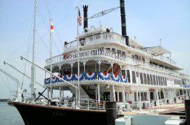 船上で風を感じながら琵琶湖の風景を堪能!「ミシガンクルーズ」