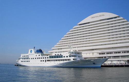 """神戸の海上で素敵なひとときを""""ルミナス神戸""""ランチクルーズ【H-05】"""