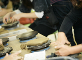 豊かな自然の中で陶芸体験。自分だけの作品作りに挑戦!